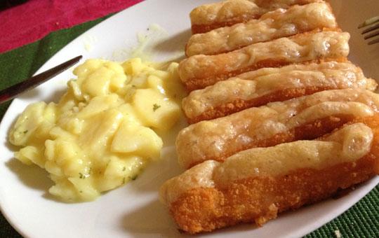 fischstaebchen-und-kartoffelsalat